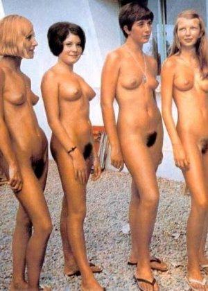 Фото сессии разных красивых девушек в ретро-стиле: повсюду красивые сиськи и сексуальные фигуры