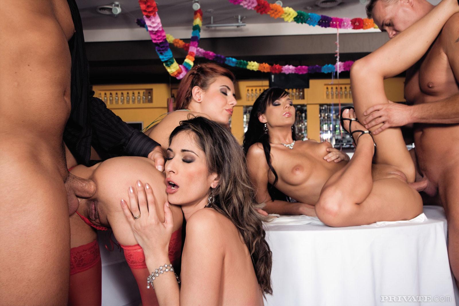 порно групповое вечеринка видео