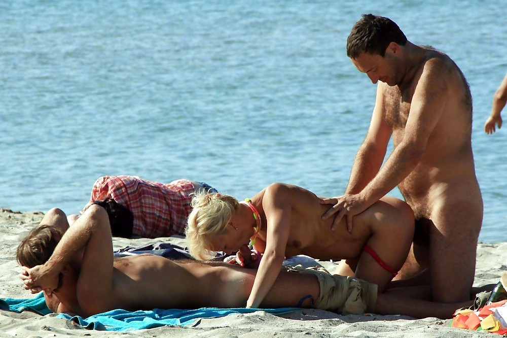 Разврат пляж секс