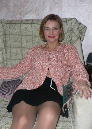 Зрелая женщина обладает достаточной сексуальностью, поэтому старается показать себя во всей красе