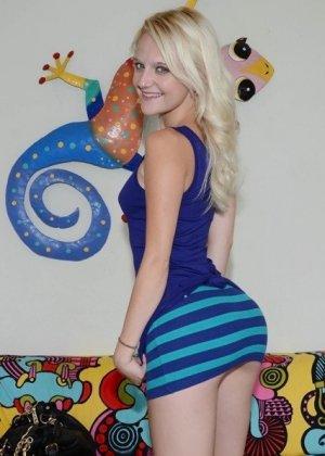 Первая порно проба молодой блондинки