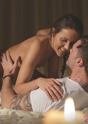 Нежный секс с плоской Адрианой на первом свидании