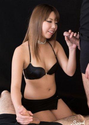 Азиатка Канон Юмесаки делает минет и балдеет от вкуса спермы
