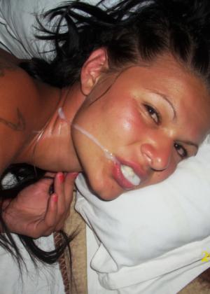 Турчанка любит сосать хуи и глотает сперму как сумасшедшая