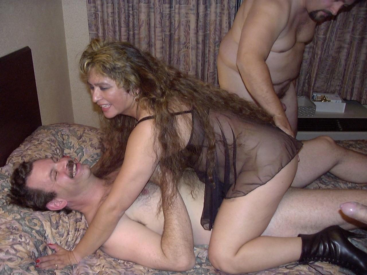 приходит вовремя, частное порно видео замужних дам сосал крошечный