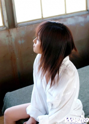 Утро одинокой азиатки