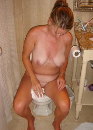 Женщины в туалете - компиляция 2