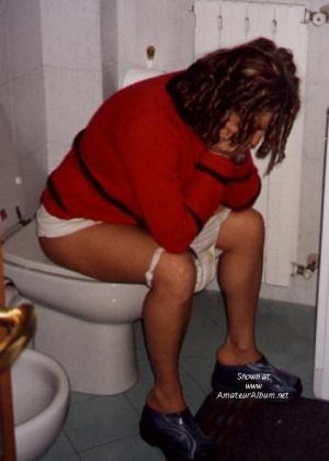 Женщины в туалете - компиляция 5