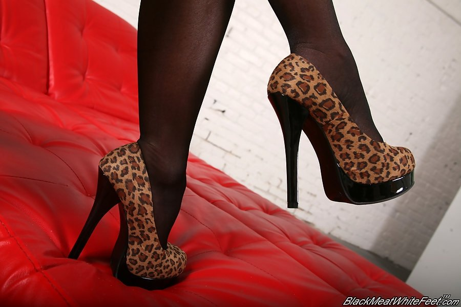 Сперма на ножках - Фото галерея 913540