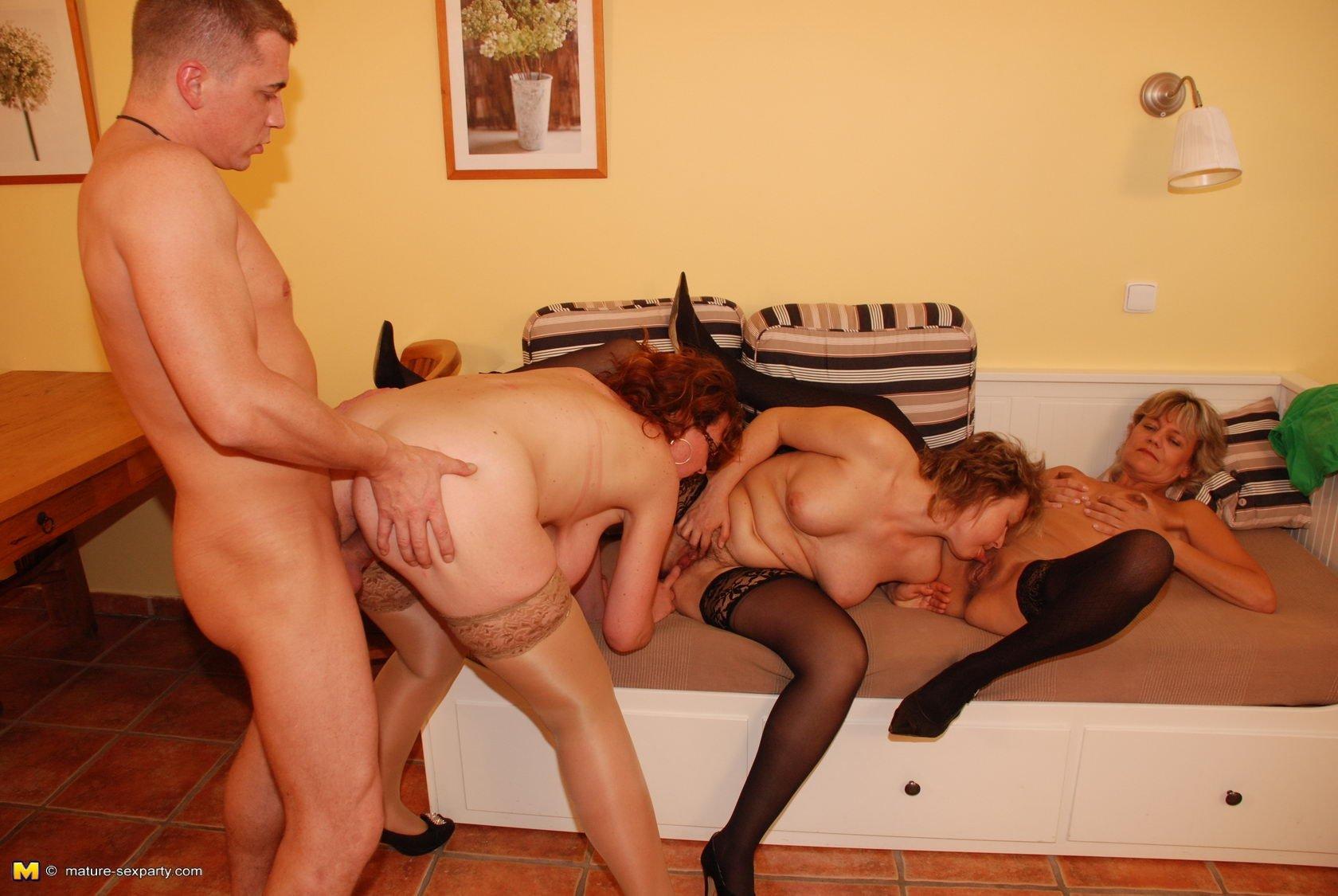 Зрелые проститутки в екб девочку