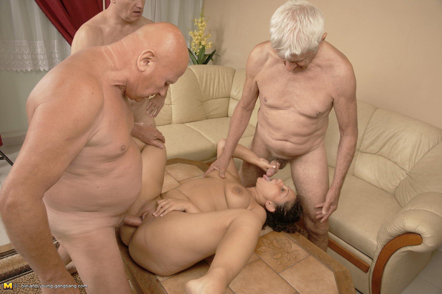 пожилые бабы с молодыми девушками ясно, кто