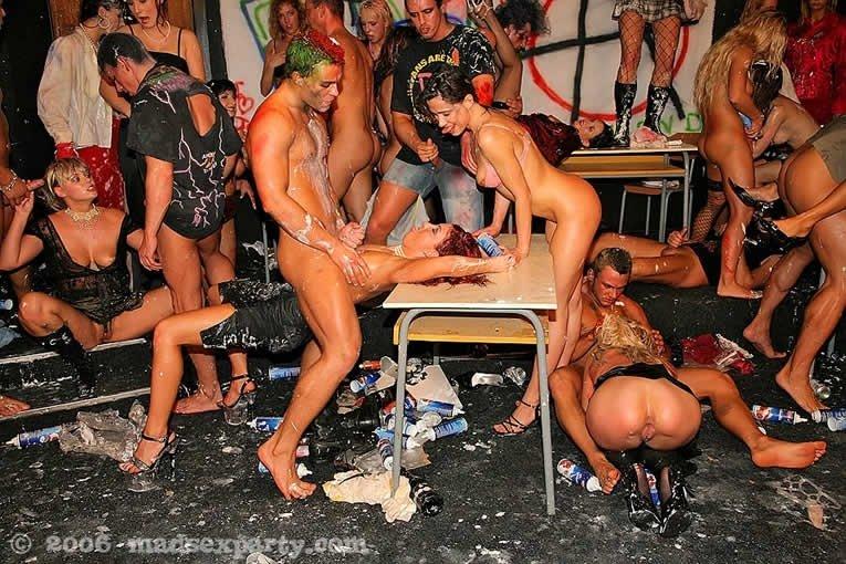 Пьяная секс вечеринка - Фото галерея 288426