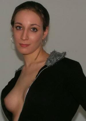 Упругие груди Сони