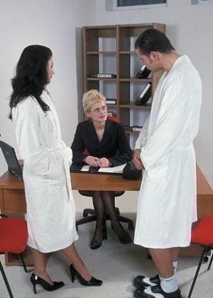ЖЖЖМ (три женщины и мужчина) - Фото галерея 65979
