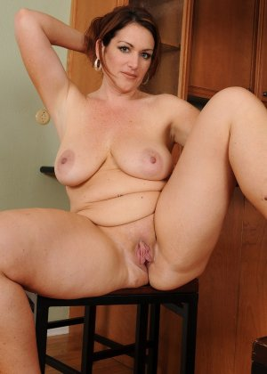 Красивые сексуальные брюнетки - фото компиляция 17