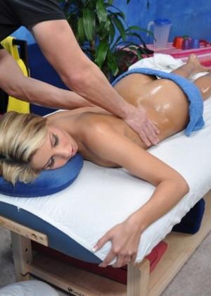 Натали дала массажисту