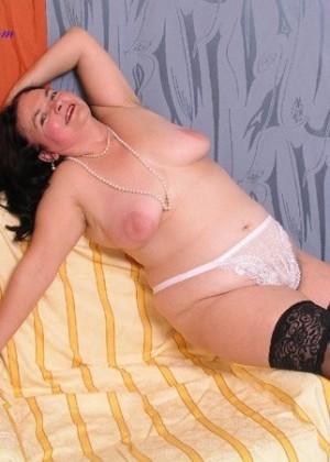 Толстая зрелка мечтает о сексе