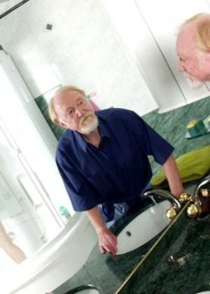 Секс с пожилым мужчиной - Фото галерея 274812