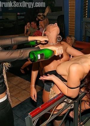 Пьяная секс вечеринка - Фото галерея 288446