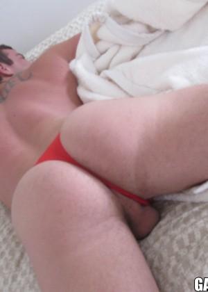 Соблазнился голым спящим мужиком