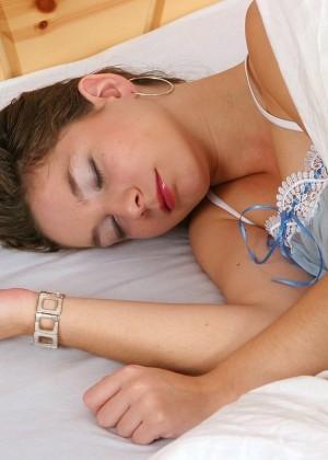 Хороша поспала, хорошо помастурбировала