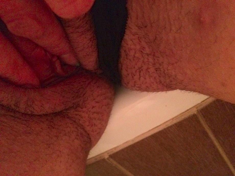 30-летняя полячка показывает вагину крупным планом