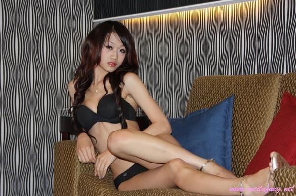 Одинокая телочка из Тайваня