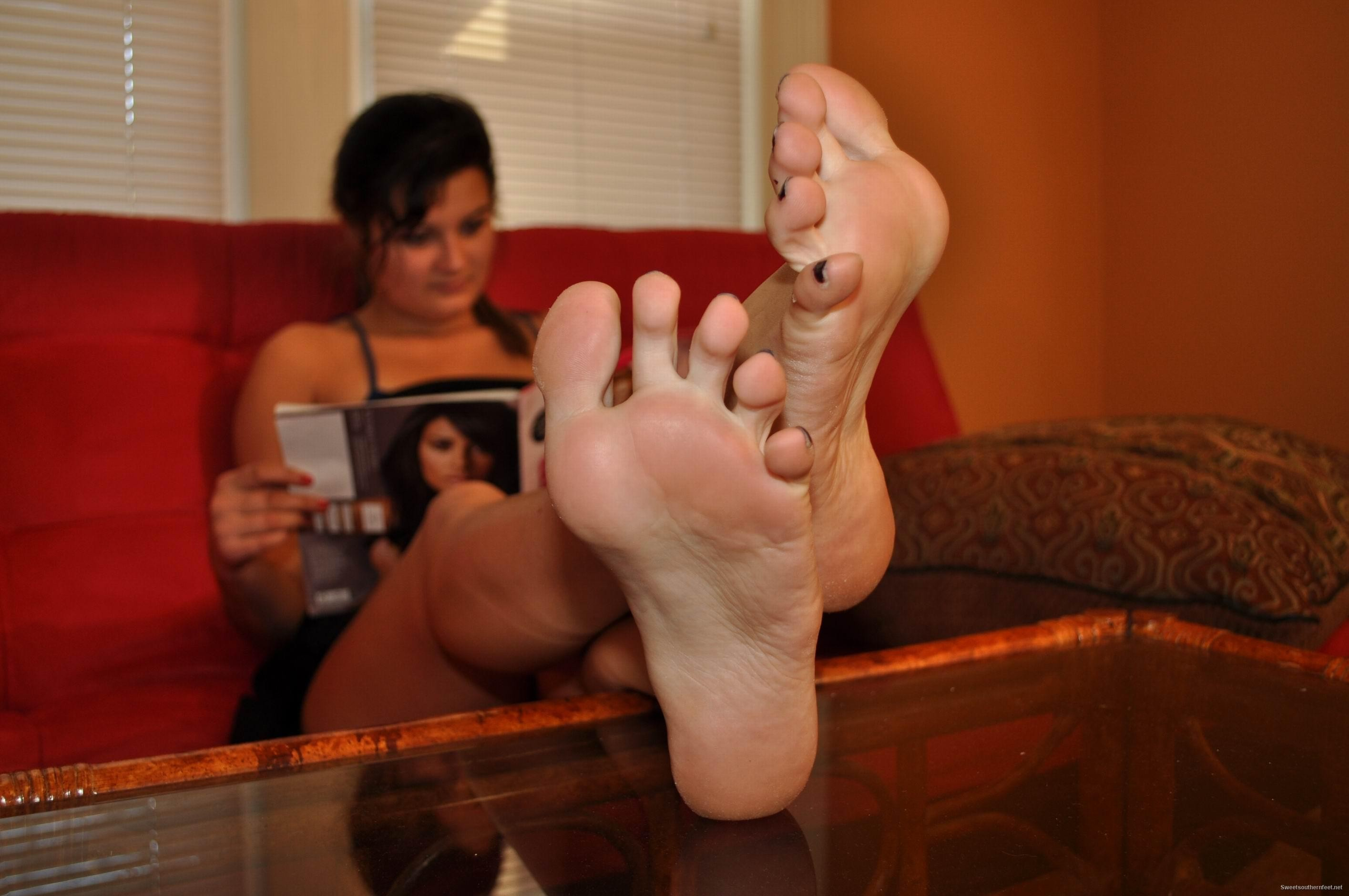 Lesbian foot suck and gag