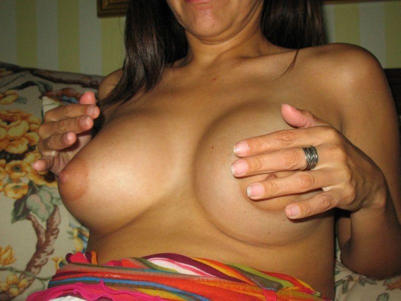 Бритая пизда красивой перуанской женщины