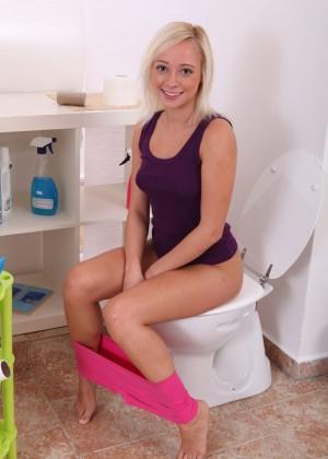 В туалете - Фото галерея 976007