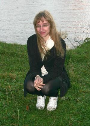 Эксгибиционстка из Эдинбурга с волосатой пиздой