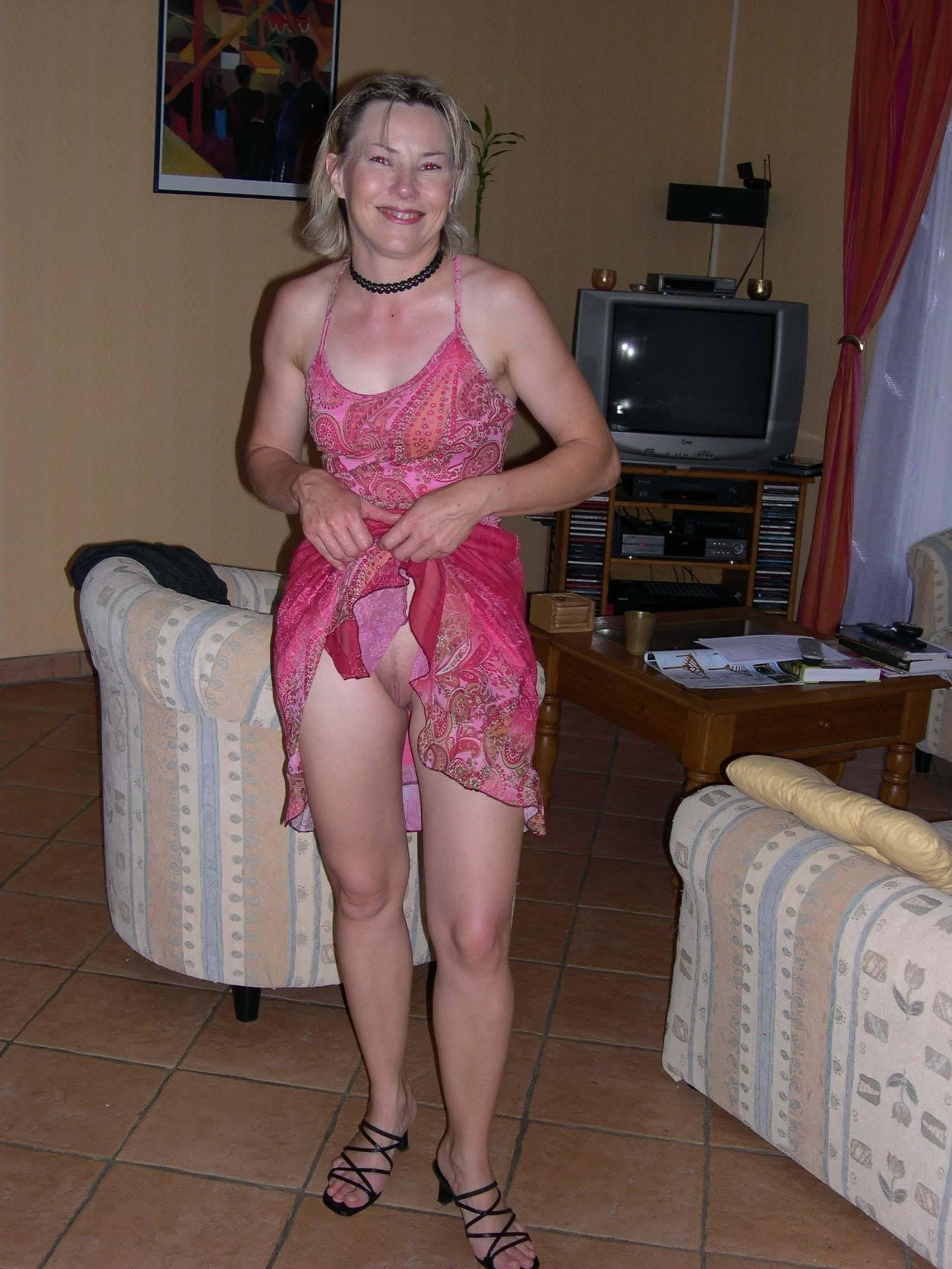 Эро фото под юбкой - компиляция 18