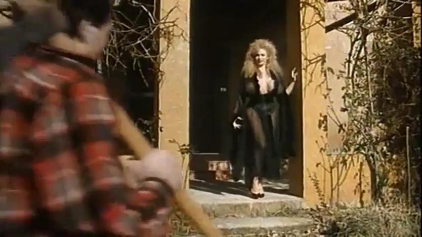 Эротические приключения Красной шапочки / Le Avventure erotiX di Cappuccetto Rosso (1993)