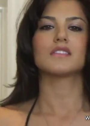 Секс с прекраснейшей Sunny Leone