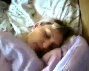 Разбудил и поимел сисястую Наташу