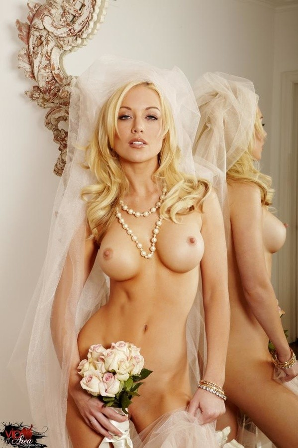 Порно невеста блондинка