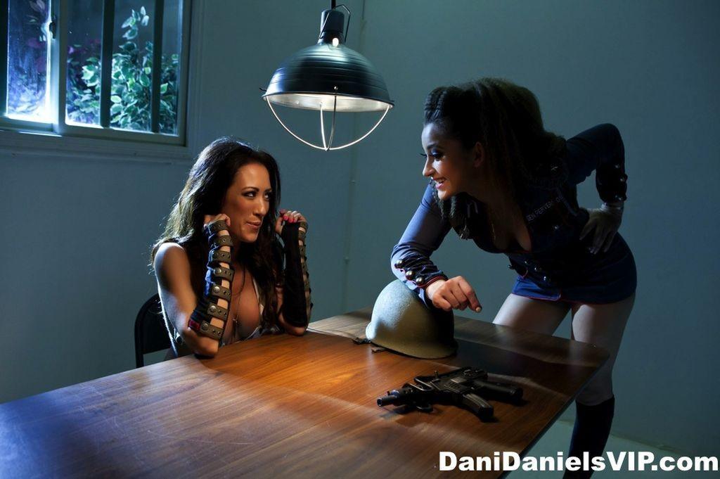 Dani Daniels, Capri Cavanni - Галерея 3370280