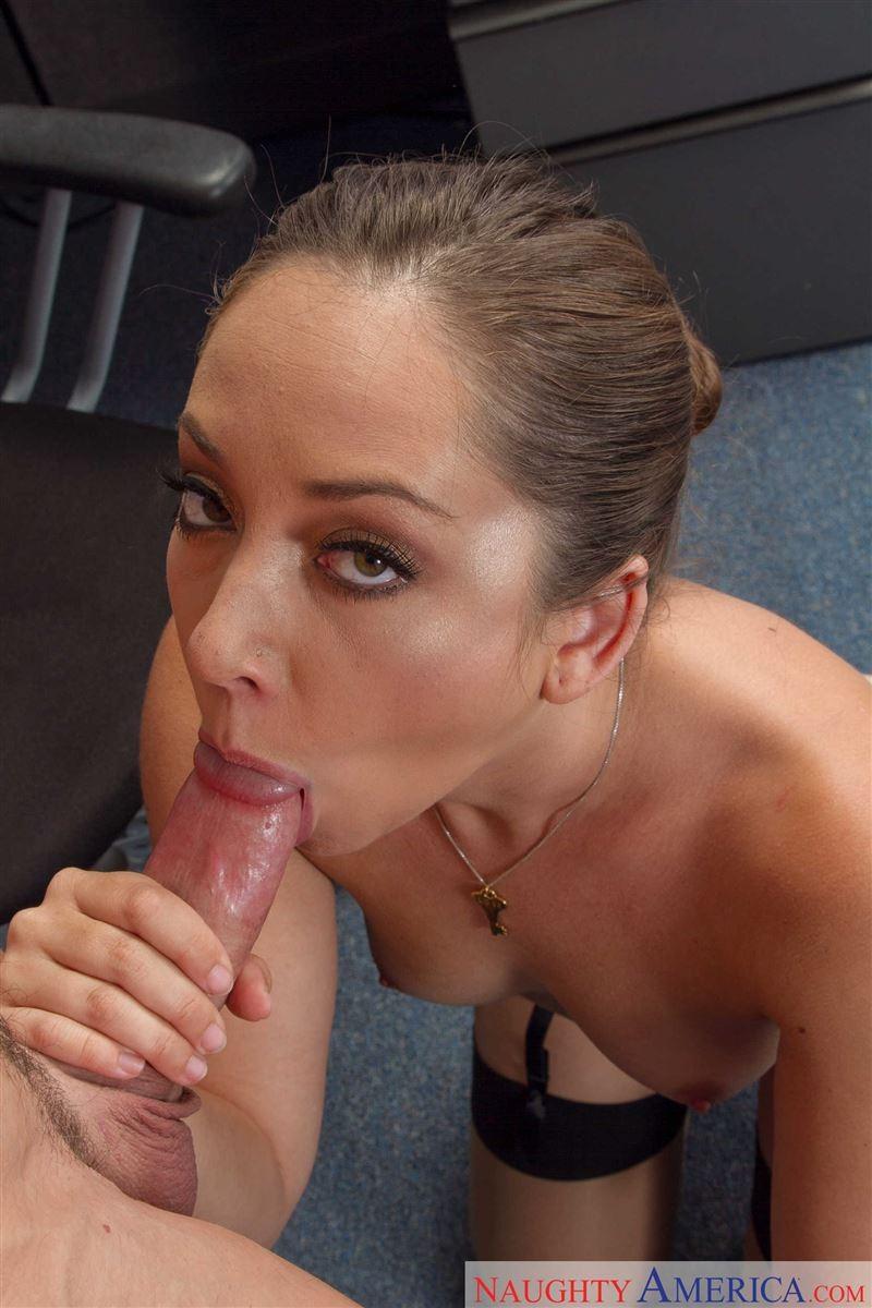 Секс с красивой сексуальной девушкой Реми Лакруа