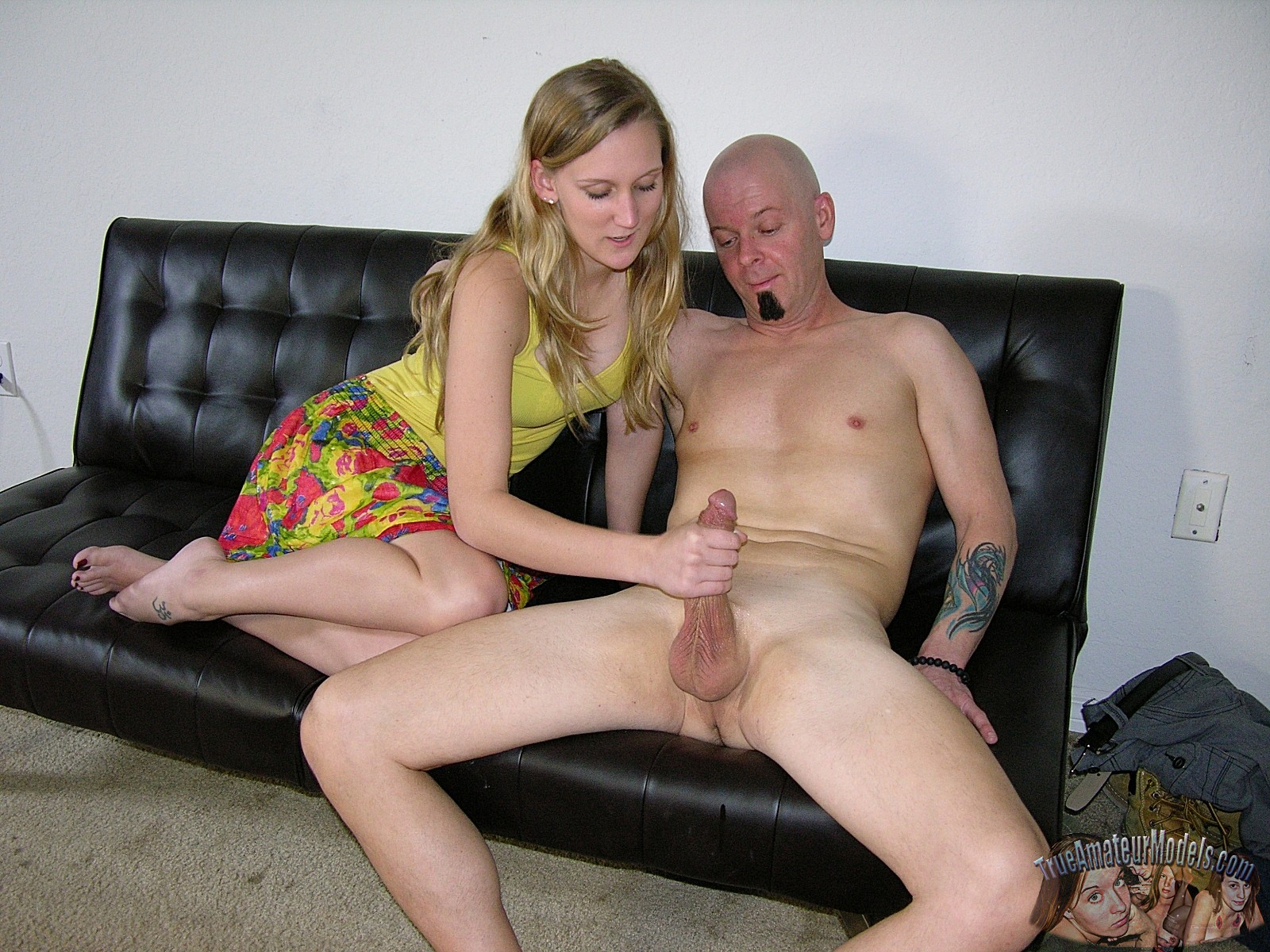 ded-spalil-vnuchku-porno