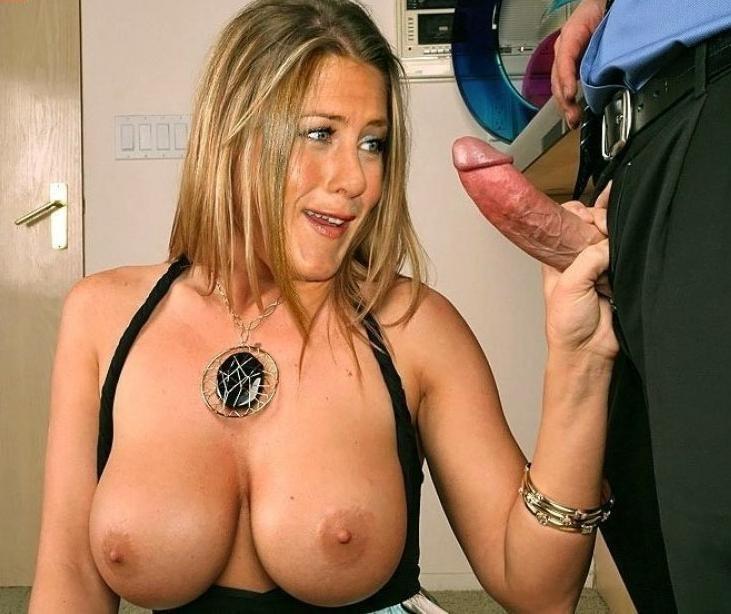 Дженнифер Энистон тоже весьма похотливая штучка, ей очень нравится давать в задницу, и получать кончу в рот