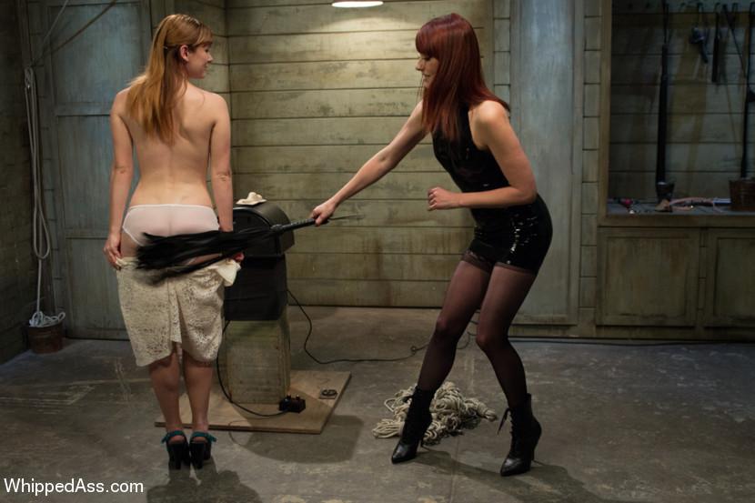 Клер получает от Медалин то наказание, но награждение, ее тело красное от постоянных шлепков, но девке хорошо