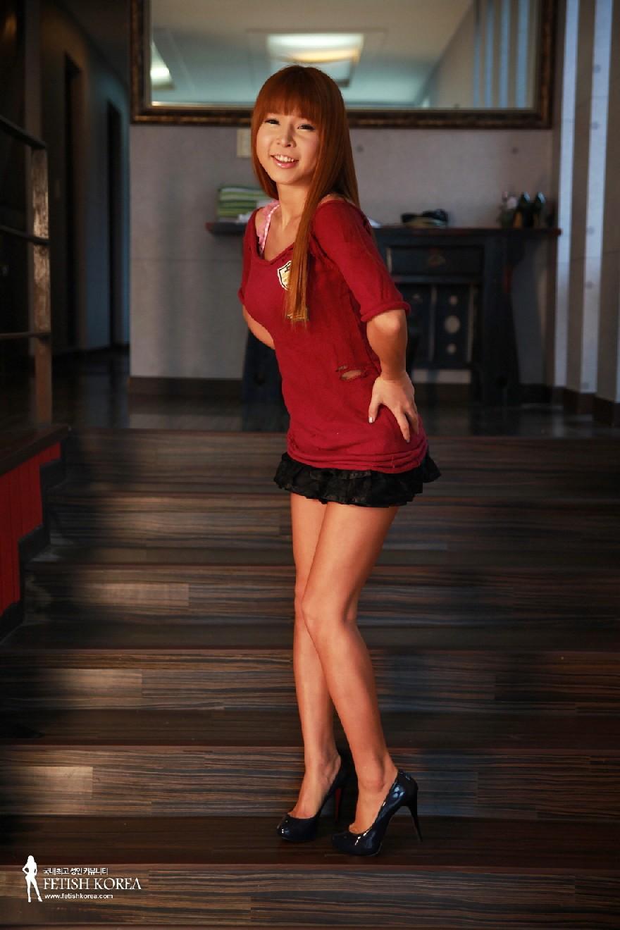Кореянка обладает идеальным телом, поэтому она так возбуждающе выглядит без одежды