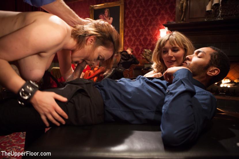 Оуен Грей имеет кучу девчонок для воплощения своих сексуальных желаний