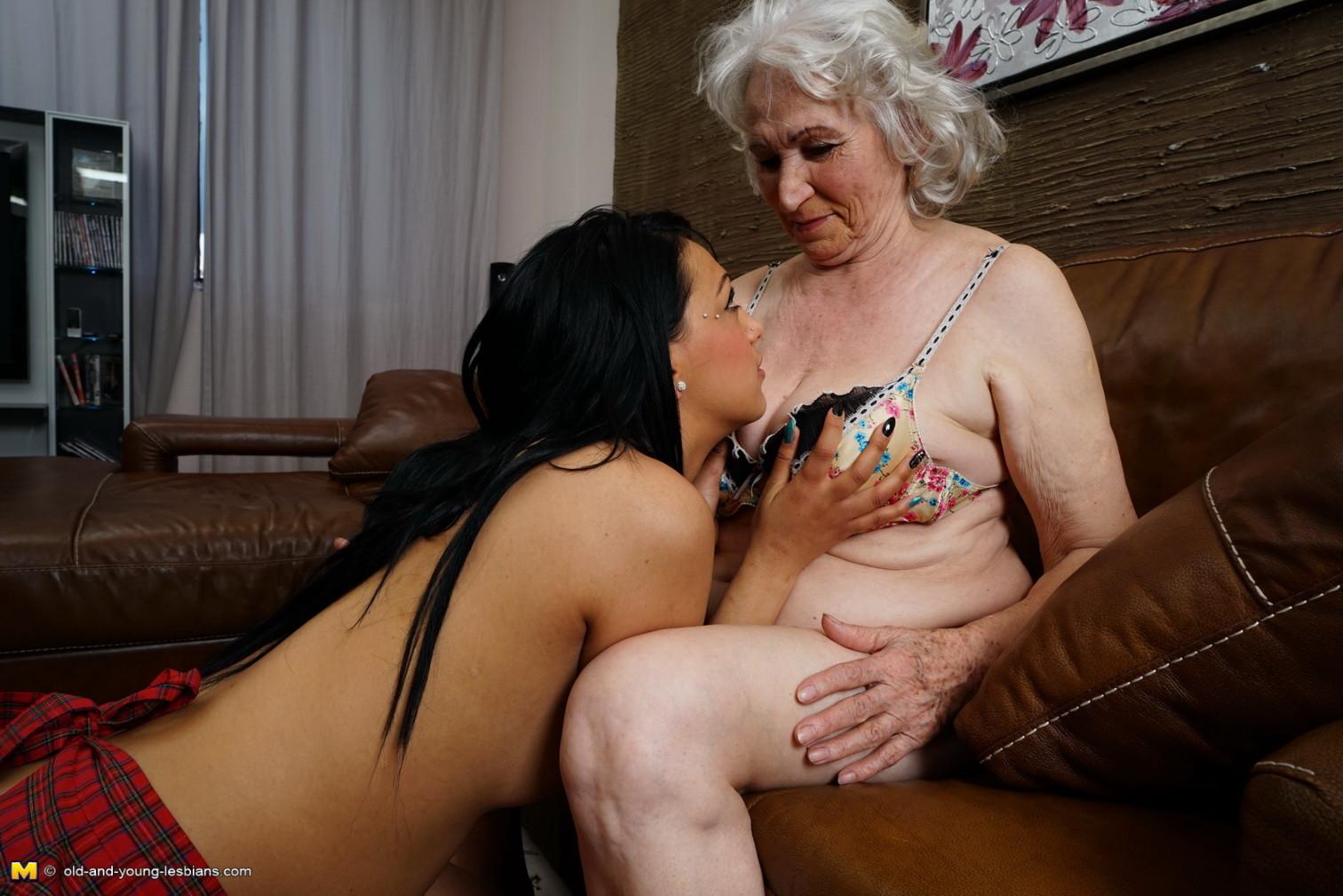seks-s-pozhilim-lyubovnikom