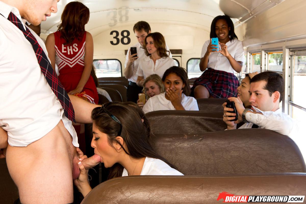 Секс в автобусе эротические истории, Секс в автобусе - порно рассказ 4 фотография
