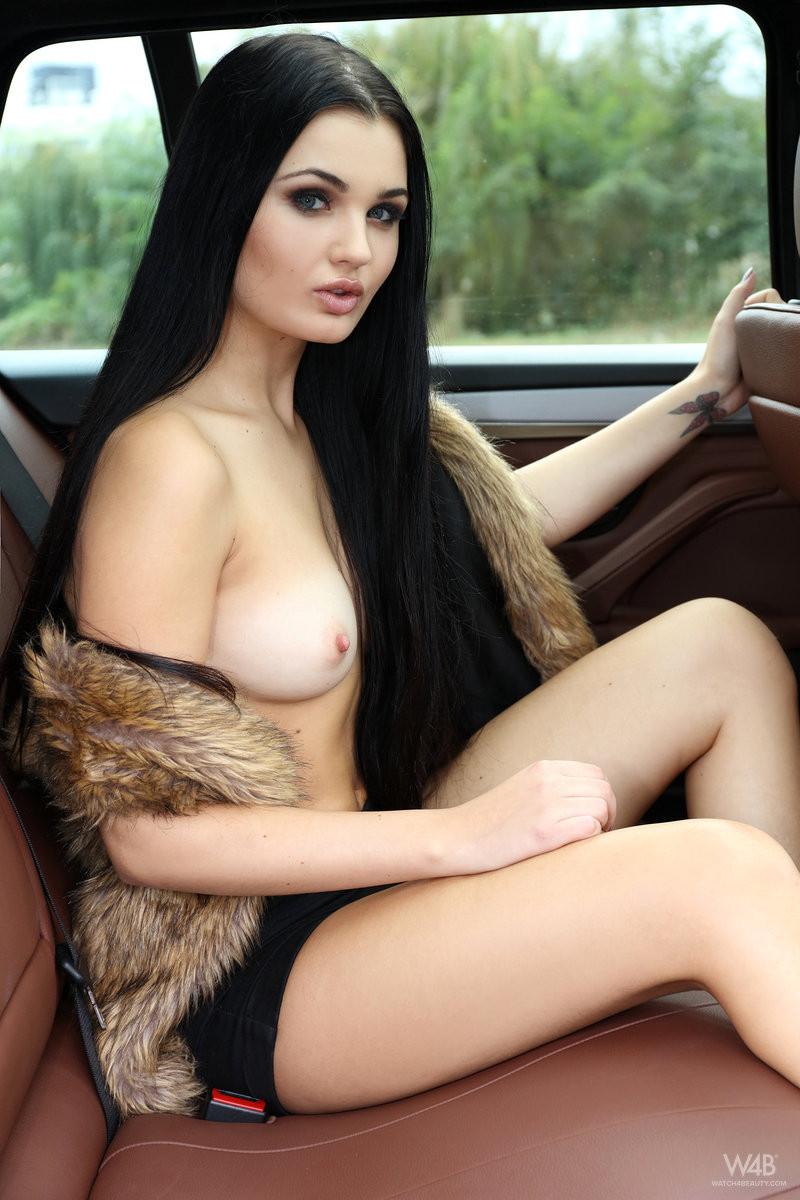 Секс на заднем сидении картинки 20 фотография