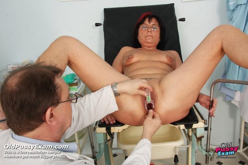 Первый секс первый раз у гинеколога осмотр