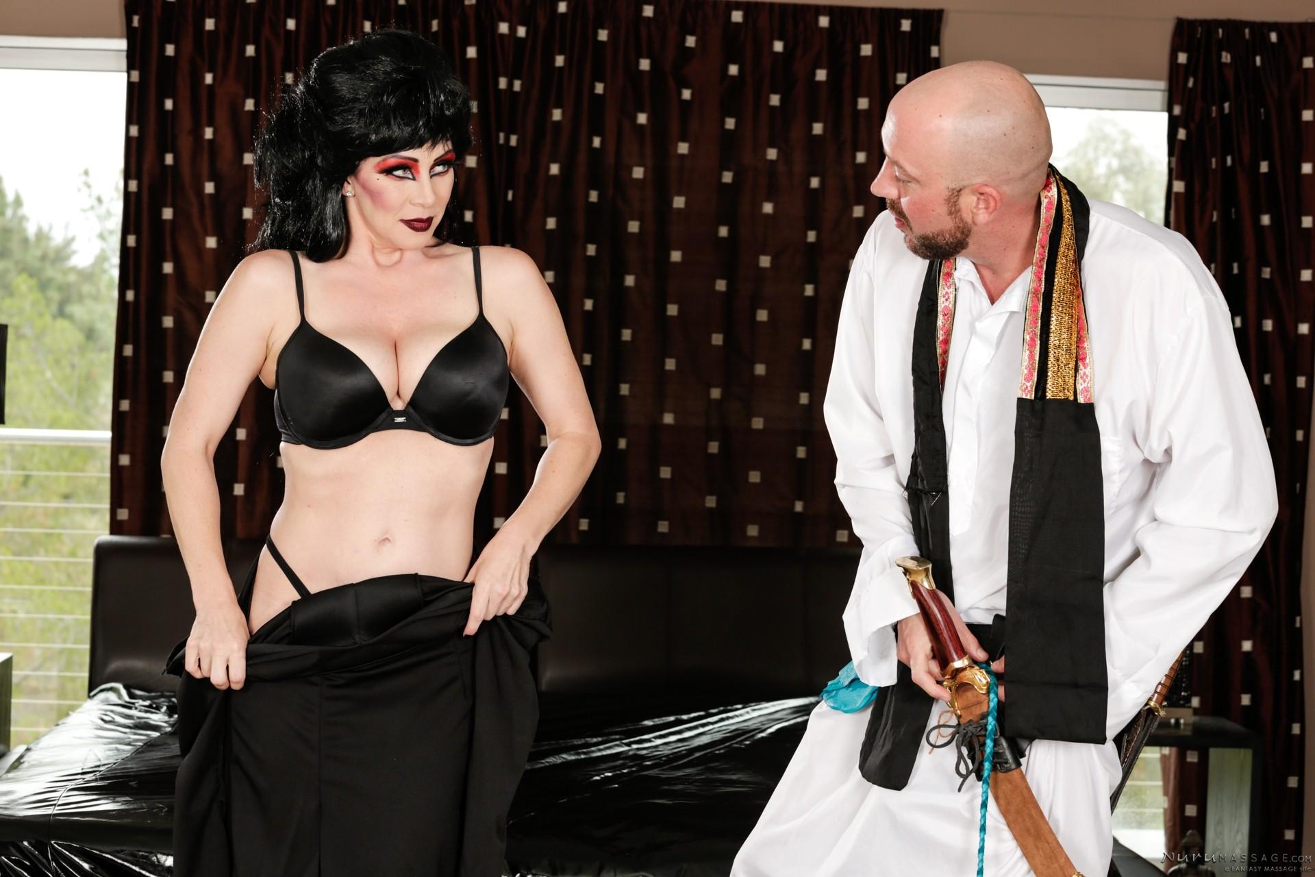 Экстравагантная дамочка доставляет удовольствие мужчина, применяя свой опыт и лучшие умения