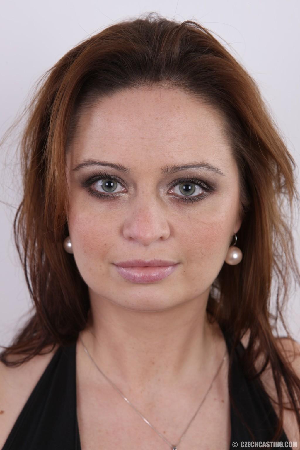В чешском кастинге девушка раскрывается на все 100%