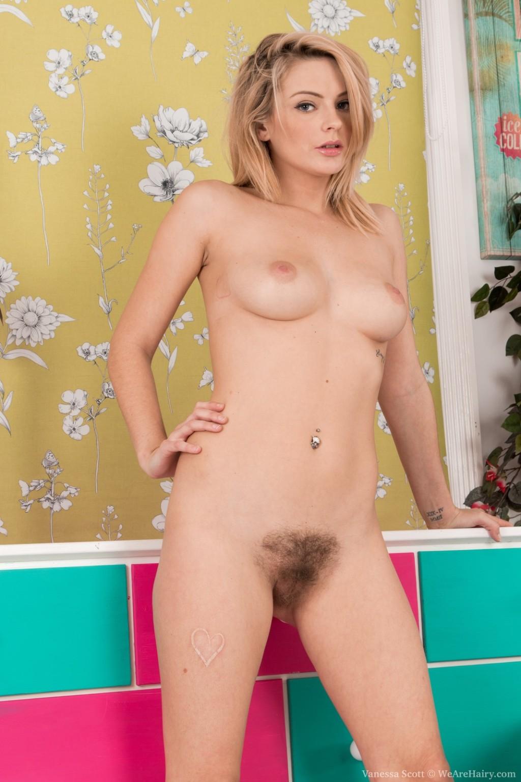 Ванесса Скотт ничуть не стесняется показывать, что она не использует бритву и любит растительность